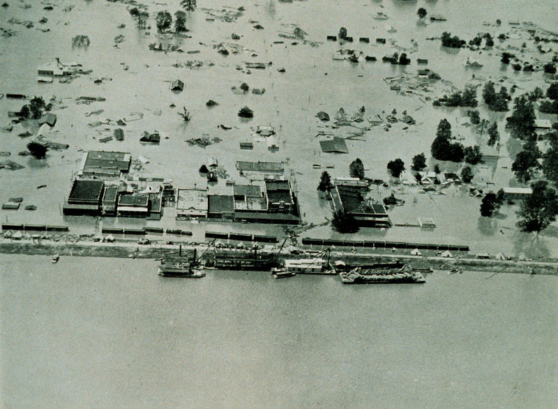 800px-1927_Mississippi_Flood_Arkansas_City